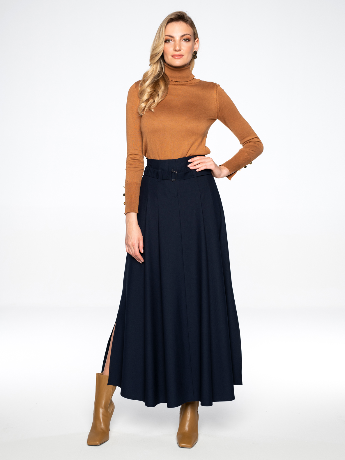 Skirt Rona with turtlenecks Lorene